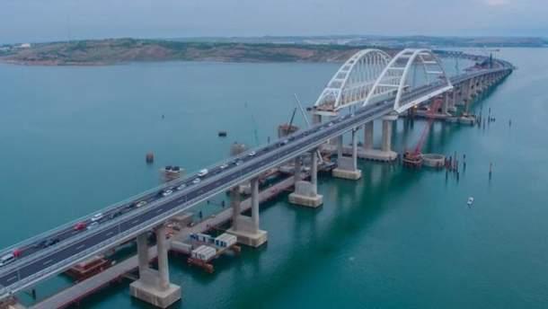 Крымский мост пустует