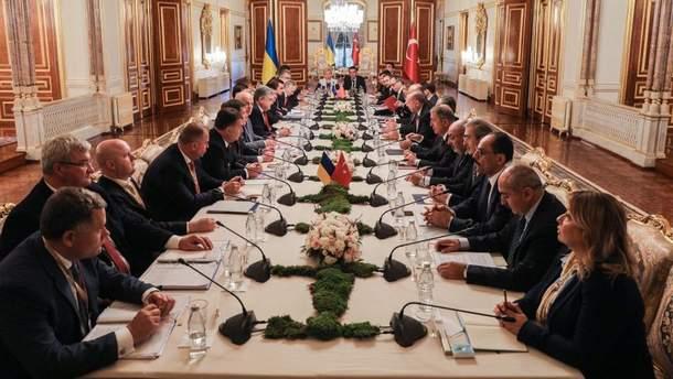 Украина и Турция подписали документы о двустороннем сотрудничестве: детали