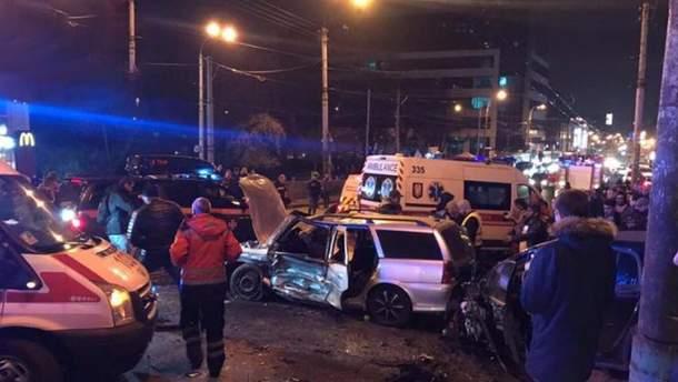 На Шулявском мосту в Киеве произошло масштабное ДТП