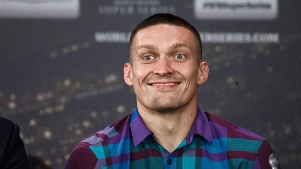 Александр Усик направился в Манчестер на бой с Тони Беллью