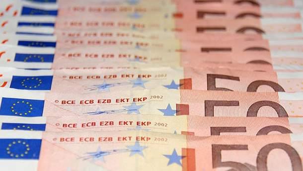 Курс валют НБУ на 6 ноября: евро и доллар уратили в цене