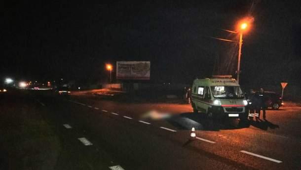 На Харьковщине водитель Lexus сбил на зебре двух пешеходов