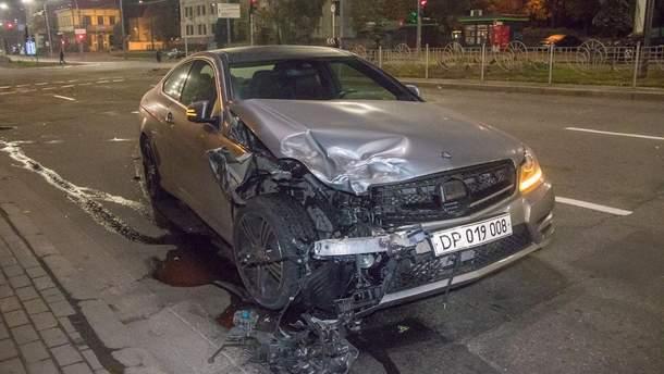 Греческий дипломат попал в ДТП в Киеве
