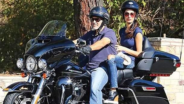 Джордж Клуни продает свой мотоцикл