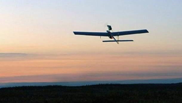 Беспилотный летательный аппарат у военных складов