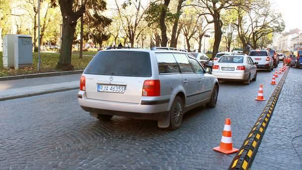 """Верховна Рада легалізувала авто на """"євробляхах"""""""
