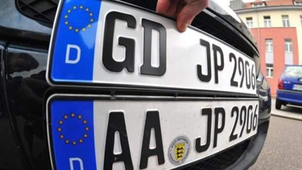 Коли в Україні почнуть штрафувати за порушення терміну перебування авто на єврономерах у режимі транзиту