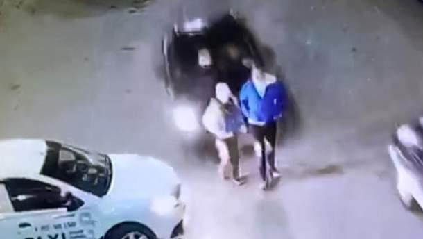 Женщина совершила жуткий наезд на подростков в России, но жалко ей стало ее машину