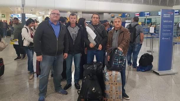 В Украину вернулись трое моряков из Греции
