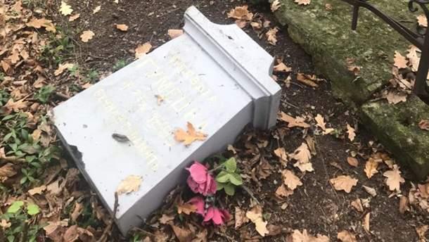 В Польше уничтожили памятники над могилой украинского священника