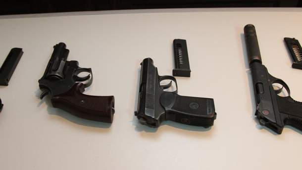 Луценко розповів, скільки зброї у незаконному обігу перебуває в Україні