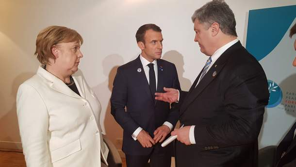Порошенко у Парижы зустрівся з Меркель і Макроном