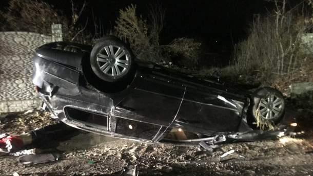 17-річний хлопець без дозволу взяв батьківський автомобіль: у результаті загинула його 16-річна пасажирка