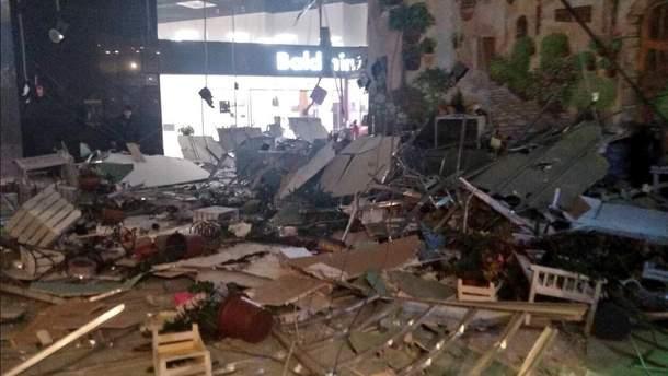 В торговом центре в Минске обвалился потолок
