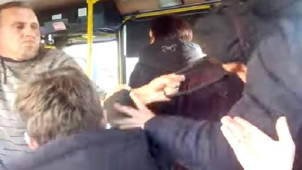 У Львові водій машрутки накинувся на неповнолітнього