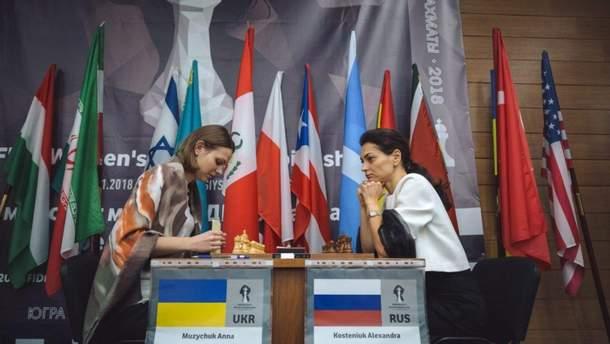 Анна и Мария Музычук поборются за выход в полуфинал на ЧМ по шахматам