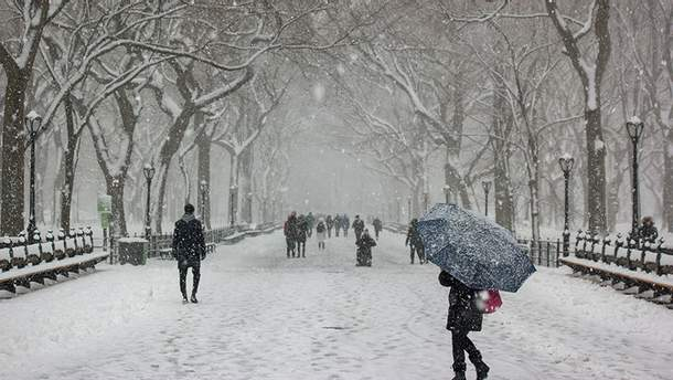 В Киеве снегопад создал проблемы с общественным транспортом