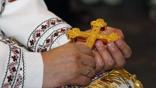 Невідомі намагались підпалити Андріївську церкву: постраждав священик