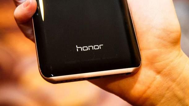 Смартфон Honor Magic 2 повністю розібрали