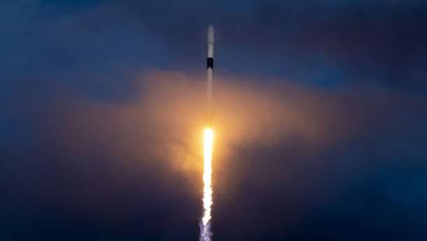 SpaceX успешно запустила ракету Falcon 9: фото и видео