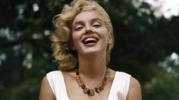На аукціоні у США за рекордну суму продали особисті речі Мерилін Монро: захопливі фото