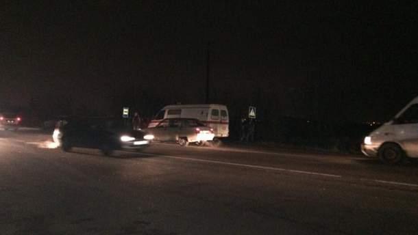 Жахлива ДТП під Одесою: на жінку наїхали два автомобілі