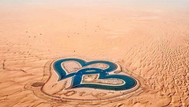 Озеро в пустыне в Дубае