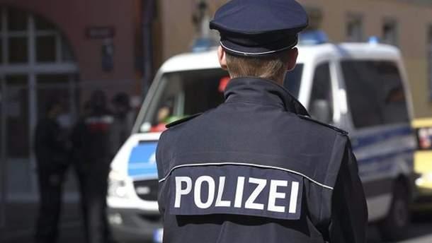 У Німеччині 18-річного хлопця позбавили прав через 49 хвилин після того, як їх йому вручили