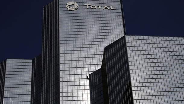 Профсоюзы во Франции угрожают заблокировать нефтеперерабатывающие заводы Total