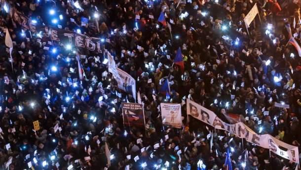 У Празі тисячі людей вимагали відставки прем'єра