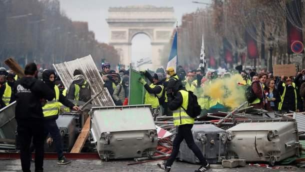 Пропагандисты с RT серьезно пострадали во время акций протеста во Франции