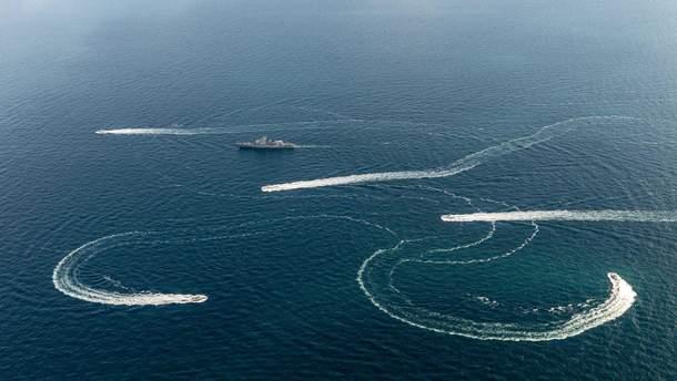 Росія захопила українські військові кораблі