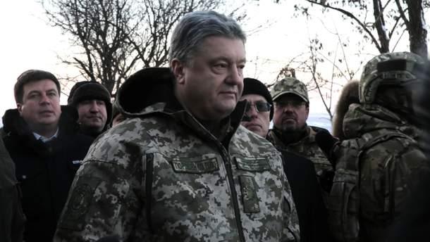 У Порошенка відреагували провокації Росії в Азовському морі