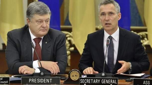 Порошенко и Столтенберг договорились о срочном созыве заседания Комиссии Украина-НАТО