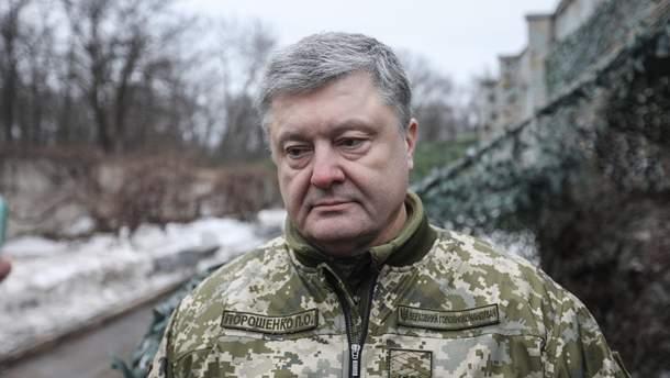 Военное положение 2018: какие свободы украинцев предлагает ограничить Порошенко