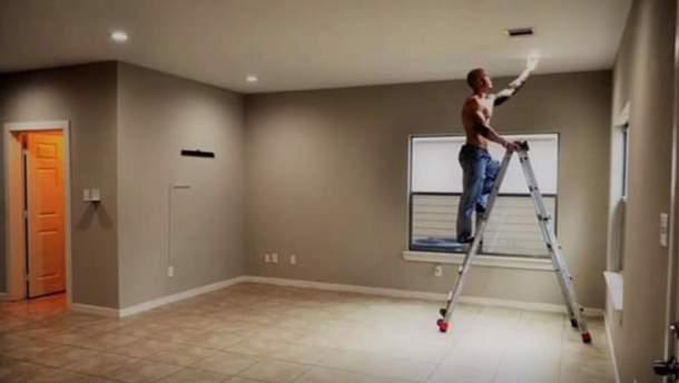 Риелтор из Техаса рекламирует жилье с помощью полуобнаженных фитнес-моделей