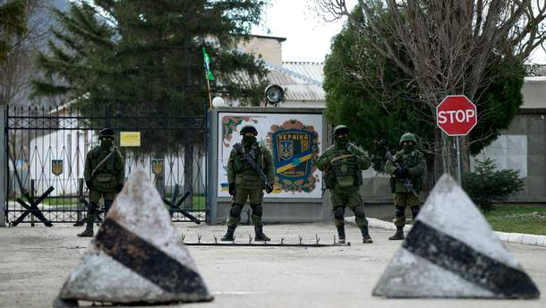 Захоплених українських моряків розділили на три групи, поранених судитимуть в Керчі, – адвокат