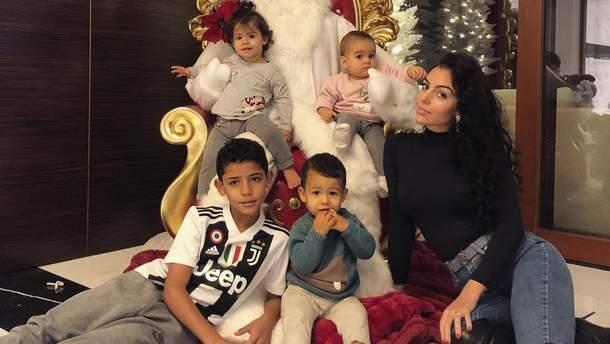 Джорджина Родригес и дети Криштиану Роналду