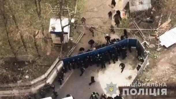 Во время акции против незаконного строительства в Одессе вспыхнули столкновения