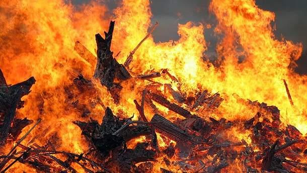 В анексованій Керчі масштабна пожежа