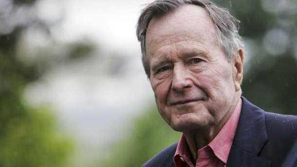 Джордж Буш-старший помер
