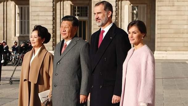 Президент Китая с женой в гостях у королевской семьи Испании