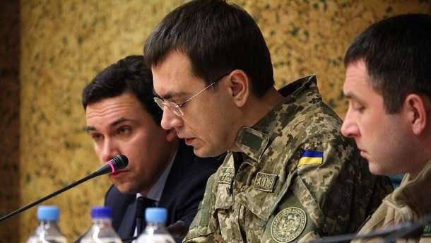 Омелян надел военную форму: заявление Минобороны и ответ министра