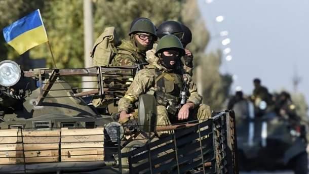 В течение суток 4 декабря один военный погиб, а еще трое получили ранения