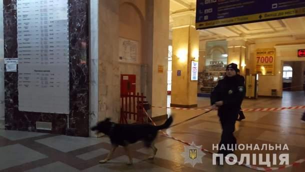 На вокзале в Одессе обнаружили подозрительную сумку