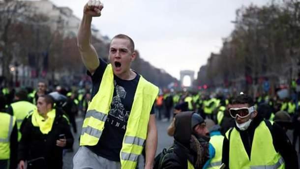 Французький уряд оголосив, що прибрав з бюджету на наступний рік підвищення податку на пальне