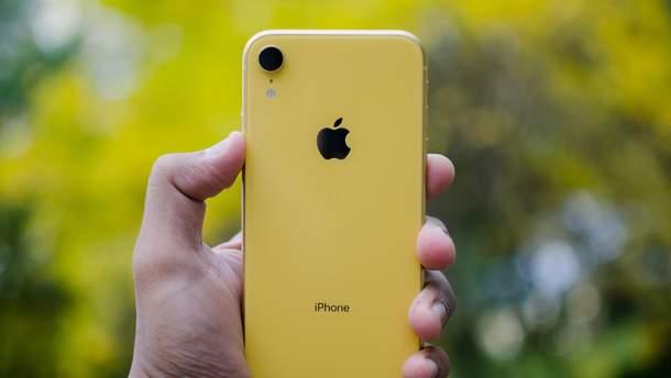 """Камера """"бюджетного"""" iPhone Xr знімає на рівні найдорожчого смартфона Samsung"""
