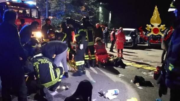 В Италии в результате давки на рэп-концерте погибли по меньшей мере 6 человек и еще более 100 ранены