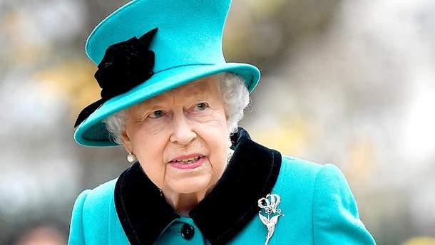 Королева Єлизавета ІІ потрапила в курйозну ситуацію