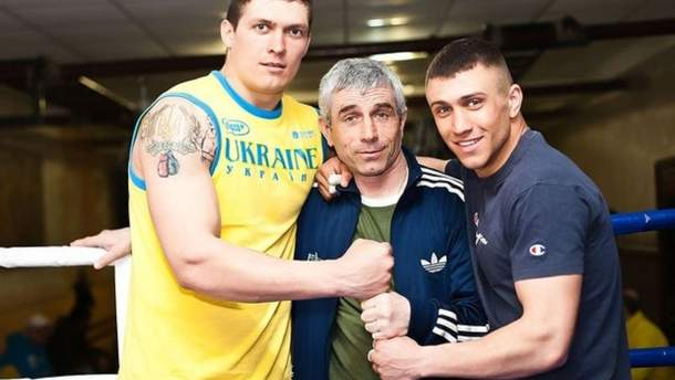 Олександр Усик разом з Анатолієм та Василем Ломаченко